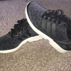 Like New Adidas Torsion Sneakers